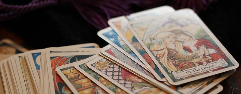 Mazzo di carte da leggere