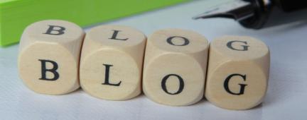 Tasselli che compongono la parola blog