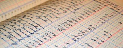 Libro contabile scritto a mano